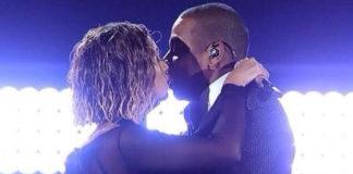 Beyonce top La Perla collant Saint Laurent decollete Stuart Weitzman 2