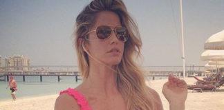 Elena Santarelli bikini Je m'en fous Triangolo Rouche