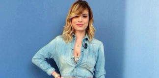 Emma Marrone E poi c'è Cattelan camicia G Star Raw gonna Daizy Shely body Stefano De Lellis scarpe Alberto Guardiani